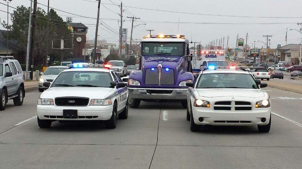 Live Traffic : Storey Wrecker : Tulsa, OK : 918-585-5571